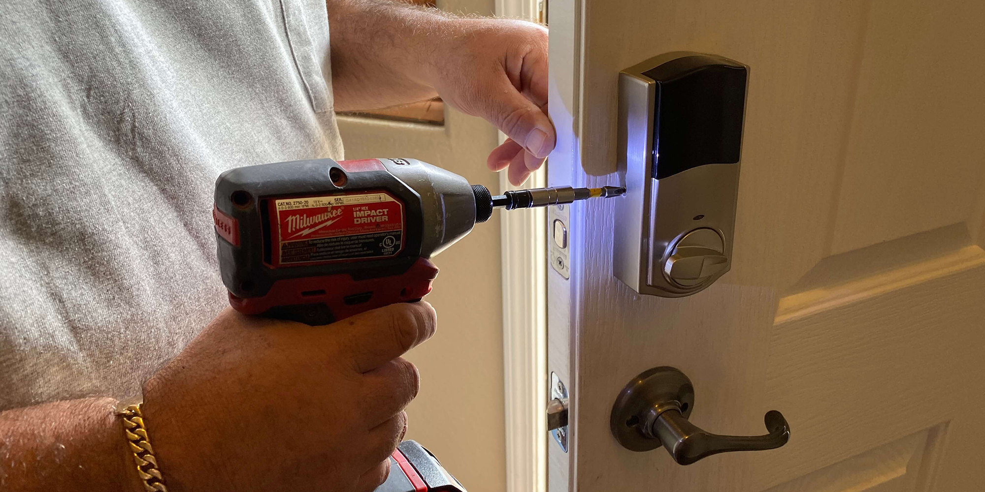 How Can an Emergency Locksmith Help in Critical Situations?